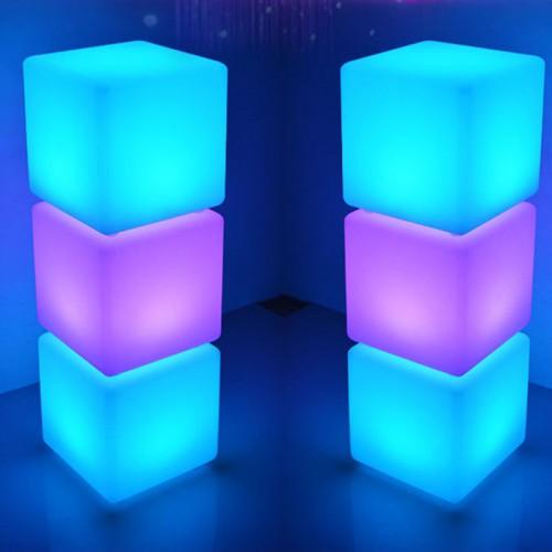 LED Würfel Licht Stimmungslicht mit Fernbedienung, im Freien Wasserdichter Farbwechsel Würfelhocker, Justierbare RGB Farben und Dimmbare Nachtlicht zum Wohnzimmer, MEHRWEG