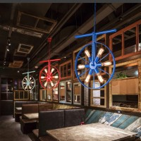 Persönlichkeit-Schmiedeeisenrad-Dekorationslampen der industriellen Windleuchter Internet-Caférestaurantbarklubhauskaffee kreative Persönlichkeit